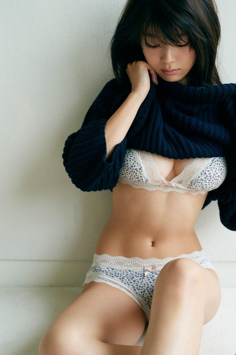 【馬場ふみかグラビア画像】目元のホクロが色っぽいモグラ女子のセクシーショット 47
