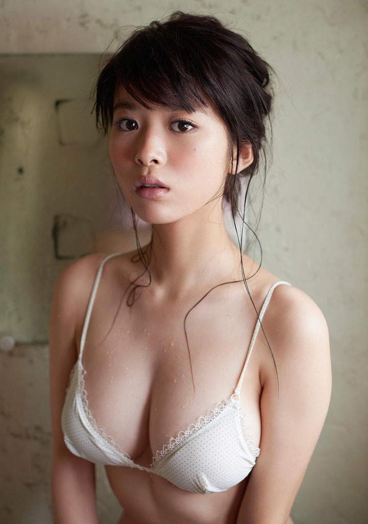 【馬場ふみかグラビア画像】目元のホクロが色っぽいモグラ女子のセクシーショット 56