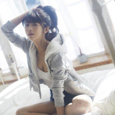 【馬場ふみかグラビア画像】目元のホクロが色っぽいモグラ女子のセクシーショット 69