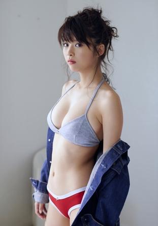 【馬場ふみかグラビア画像】目元のホクロが色っぽいモグラ女子のセクシーショット 71
