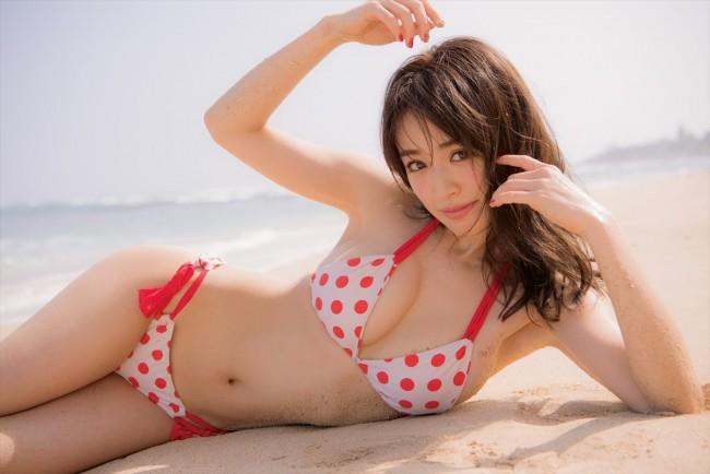 【モグラ女子ビキニ画像】スタイル抜群な美女たちの激エロビキニショット!