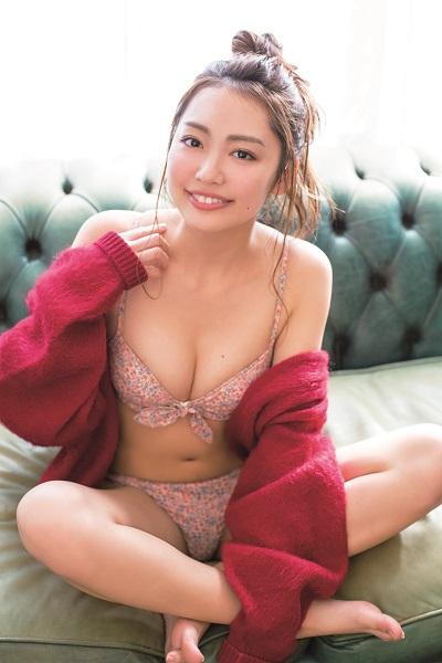 【モグラ女子ビキニ画像】スタイル抜群な美女たちの激エロビキニショット! 05