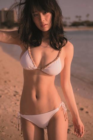 【モグラ女子ビキニ画像】スタイル抜群な美女たちの激エロビキニショット! 25
