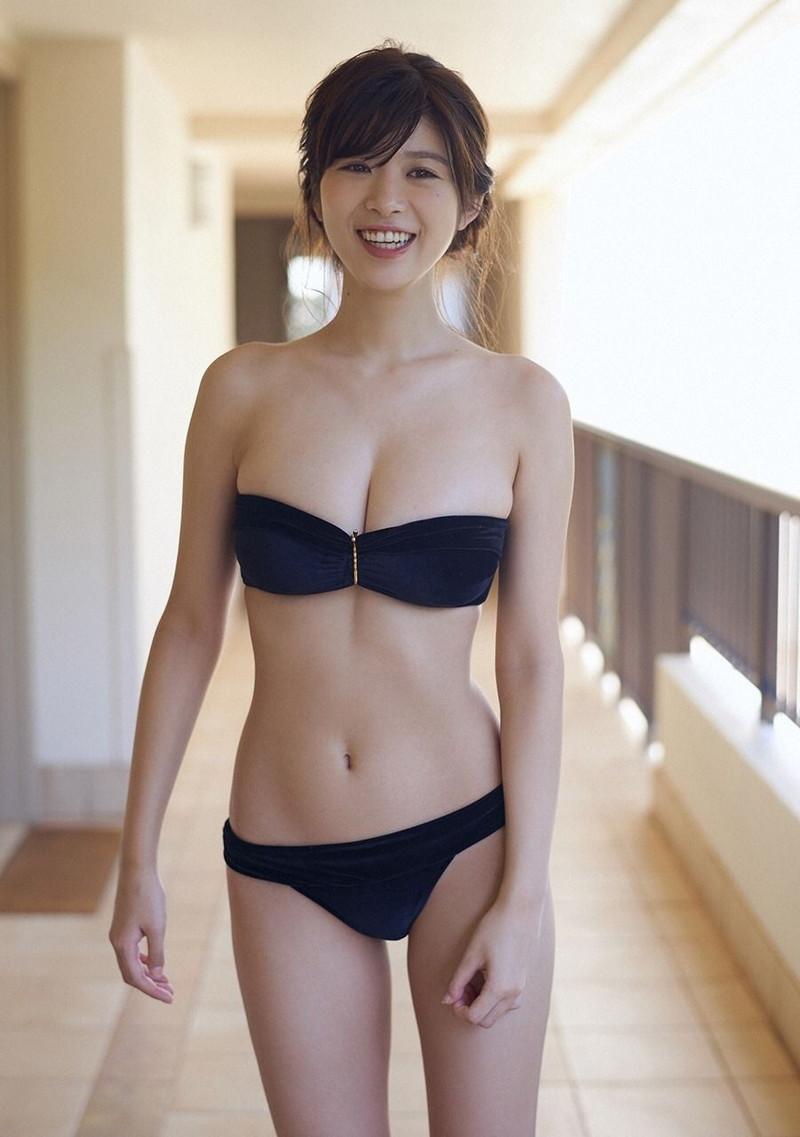 【モグラ女子ビキニ画像】スタイル抜群な美女たちの激エロビキニショット! 60