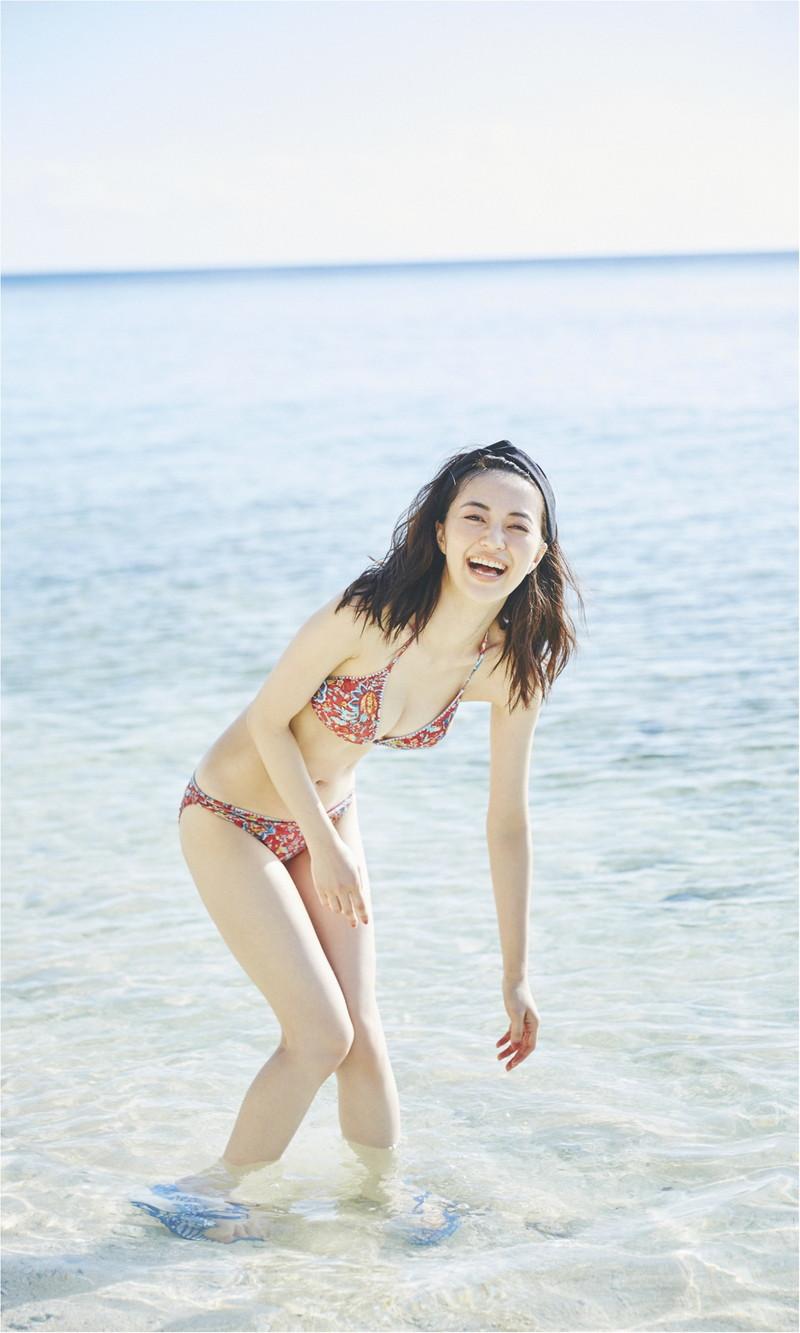 【モグラ女子ビキニ画像】スタイル抜群な美女たちの激エロビキニショット! 61