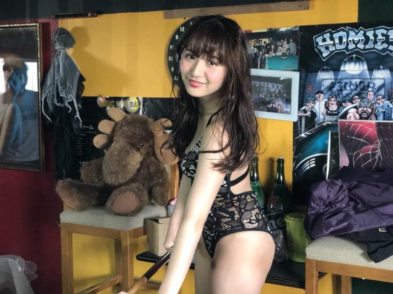 【浅川梨奈グラビア画像】童顔巨乳で大人気のグラビアアイドル水着画像 24