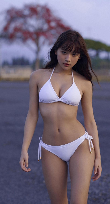 【浅川梨奈グラビア画像】童顔巨乳で大人気のグラビアアイドル水着画像 34