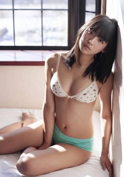【浅川梨奈グラビア画像】童顔巨乳で大人気のグラビアアイドル水着画像 47