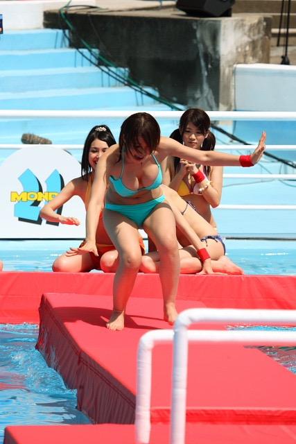 【アイドル水泳大会】昭和から平成までポロリもあった水泳大会画像 48