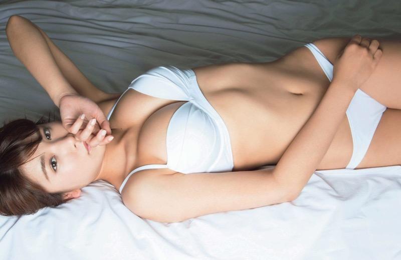【グラドルエロ画像】見た瞬間チンコにヒットする激シコグラドル美女! 35