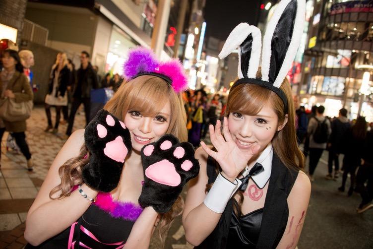 【ハロウィンコスプレ画像】渋谷に集まるギャル達の凝った様々な衣装がエロい!
