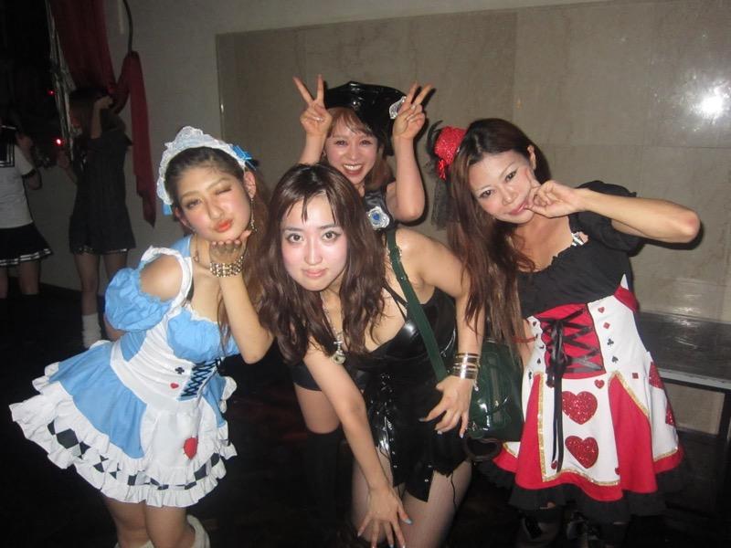 【ハロウィンコスプレ画像】渋谷に集まるギャル達の凝った様々な衣装がエロい! 03