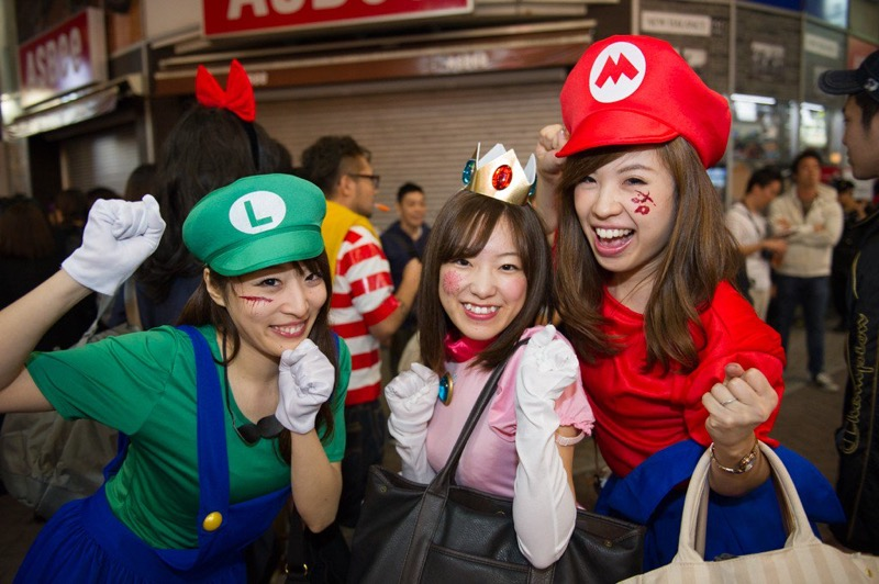 【ハロウィンコスプレ画像】渋谷に集まるギャル達の凝った様々な衣装がエロい! 13
