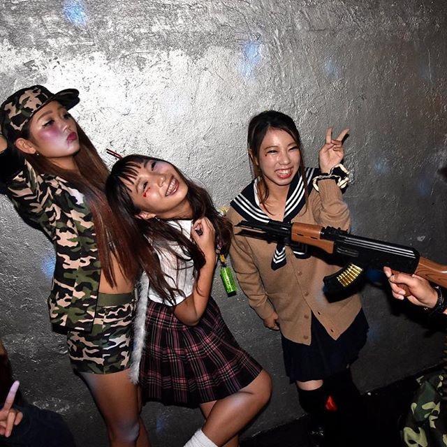【ハロウィンコスプレ画像】渋谷に集まるギャル達の凝った様々な衣装がエロい! 25