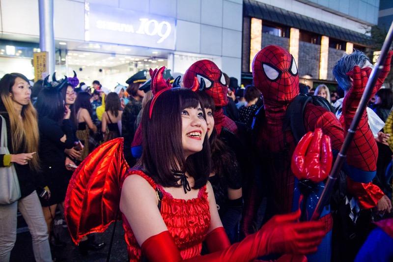 【ハロウィンコスプレ画像】渋谷に集まるギャル達の凝った様々な衣装がエロい! 28