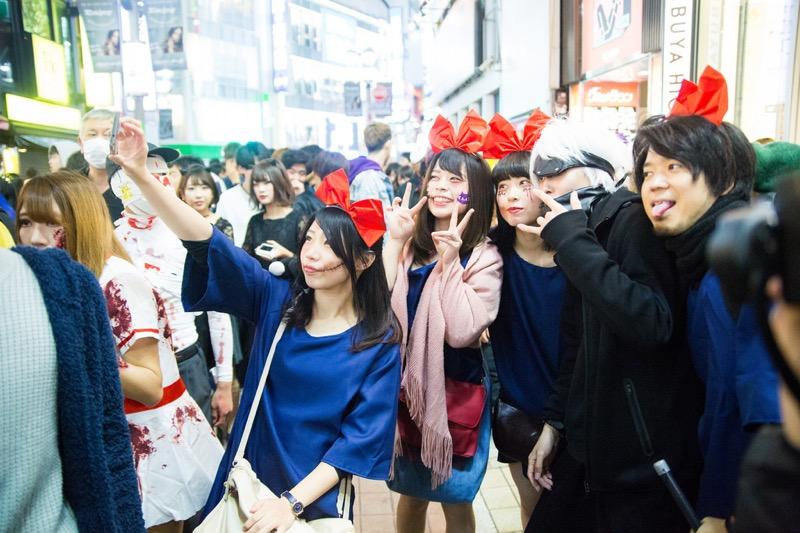 【ハロウィンコスプレ画像】渋谷に集まるギャル達の凝った様々な衣装がエロい! 29