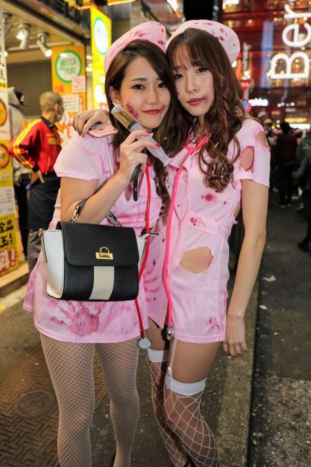 【ハロウィンコスプレ画像】渋谷に集まるギャル達の凝った様々な衣装がエロい! 32