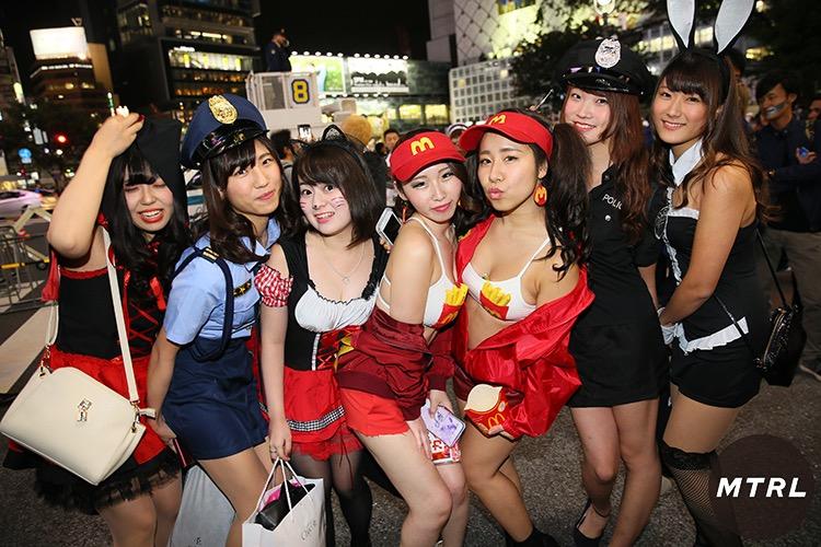 【ハロウィンコスプレ画像】渋谷に集まるギャル達の凝った様々な衣装がエロい! 33