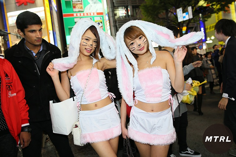 【ハロウィンコスプレ画像】渋谷に集まるギャル達の凝った様々な衣装がエロい! 35