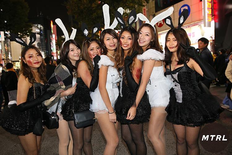 【ハロウィンコスプレ画像】渋谷に集まるギャル達の凝った様々な衣装がエロい! 36