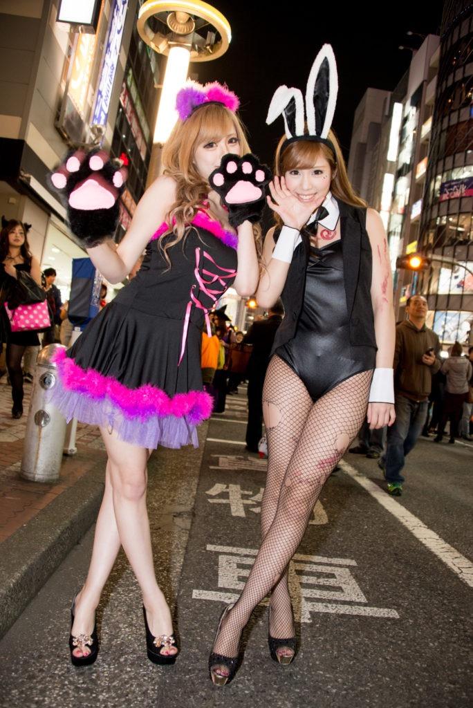 【ハロウィンコスプレ画像】渋谷に集まるギャル達の凝った様々な衣装がエロい! 38