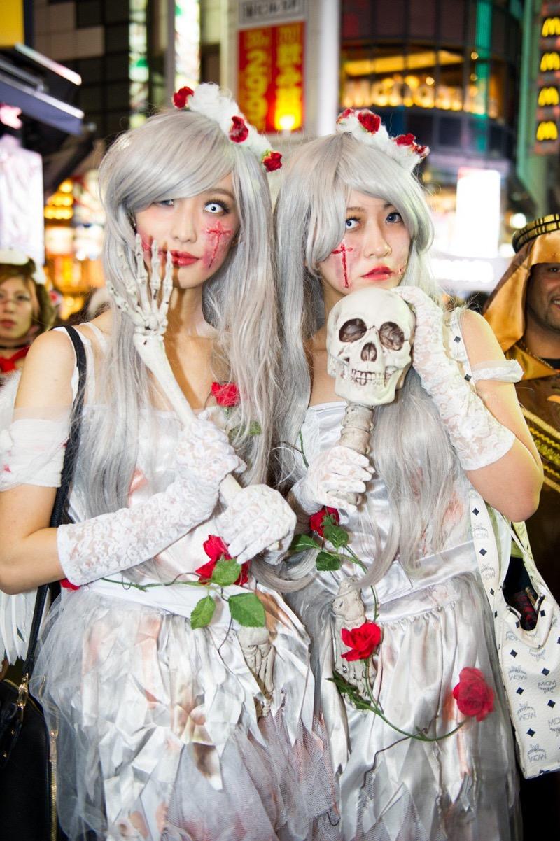 【ハロウィンコスプレ画像】渋谷に集まるギャル達の凝った様々な衣装がエロい! 44