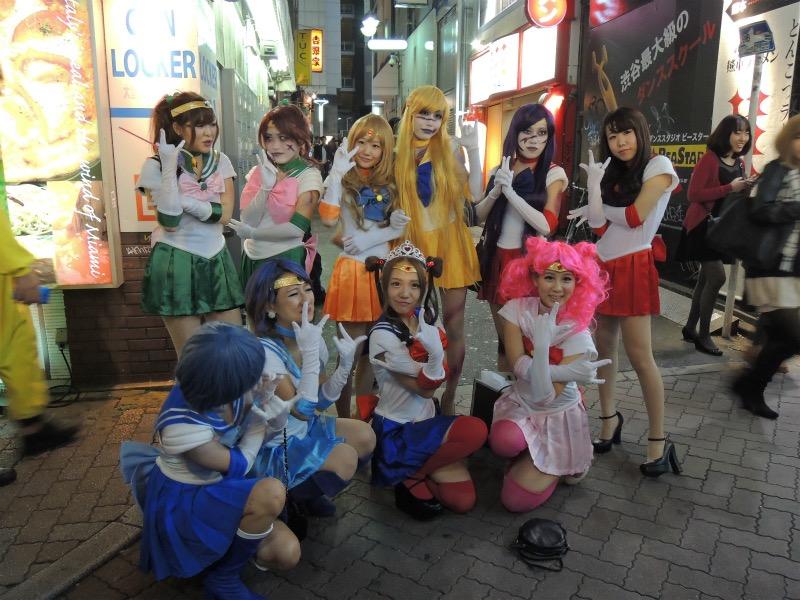 【ハロウィンコスプレ画像】渋谷に集まるギャル達の凝った様々な衣装がエロい! 77