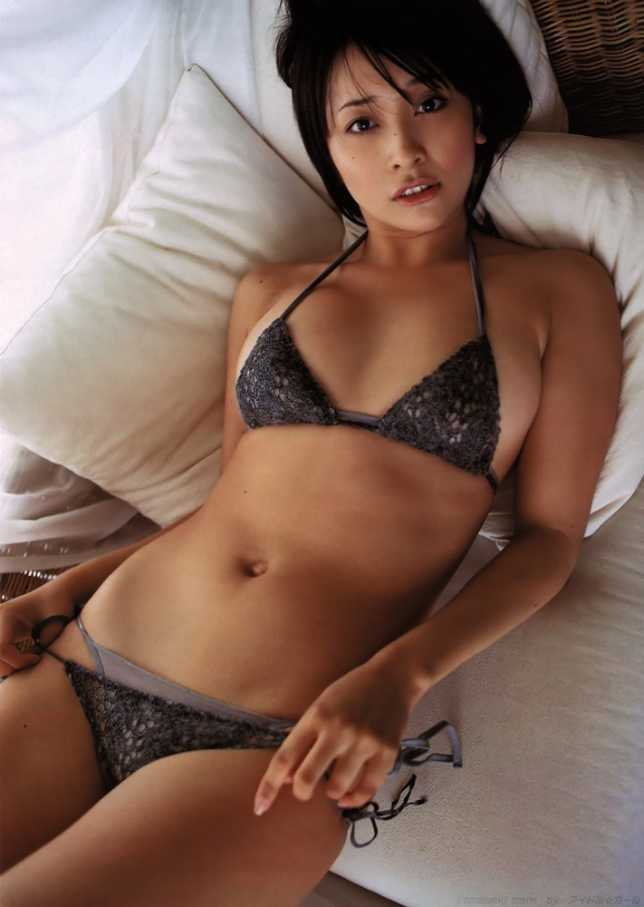 【山崎真実グラビア画像】30歳を超えて増々過激になっていく美女のセミヌード画像 24