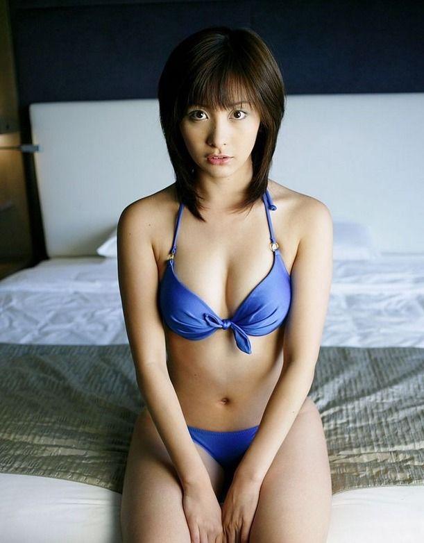 【山崎真実グラビア画像】30歳を超えて増々過激になっていく美女のセミヌード画像 47