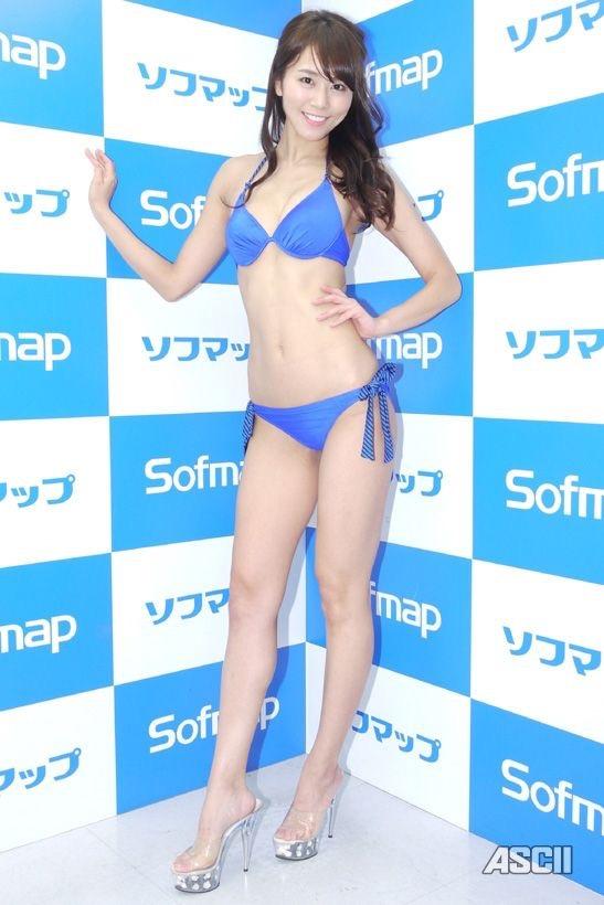【長身グラドル画像】スタイル抜群なモデル体型の長身美女エロ画像 21