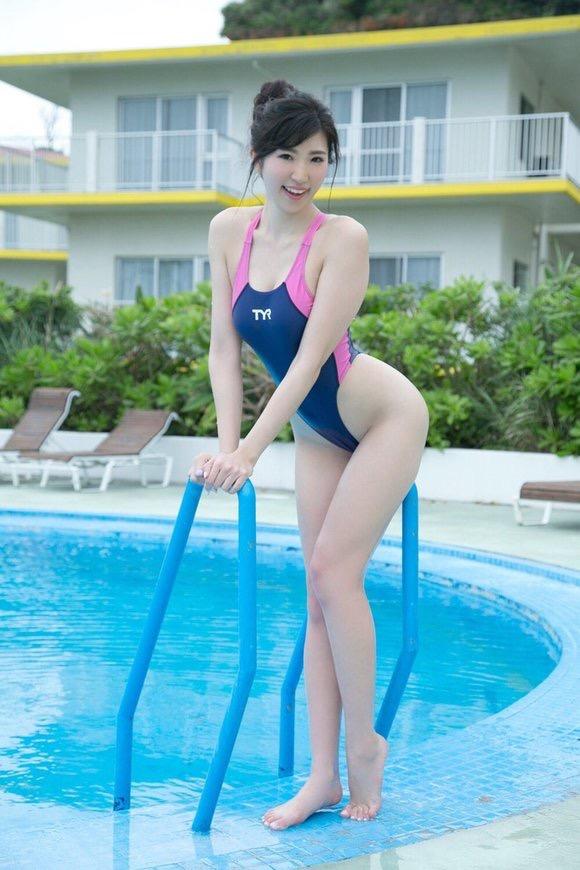 【長身グラドル画像】スタイル抜群なモデル体型の長身美女エロ画像 43