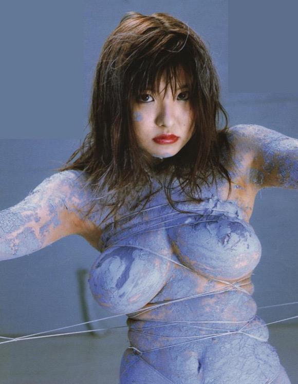 【グラドル乳首画像】美女のノーブラ乳首ポチや乳輪が透けて見えちゃった! 41