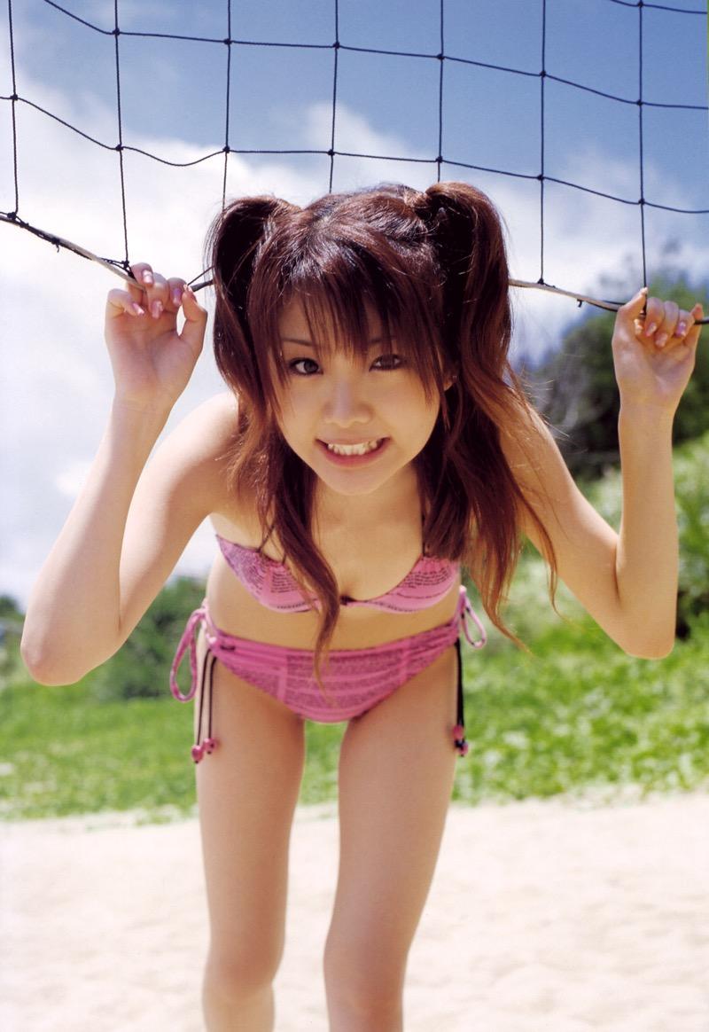 【ツインテール美少女画像】様々な形のツインテールが似合う美少女タレントたち 20