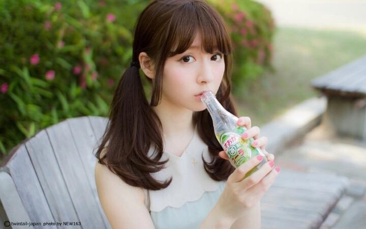 【ツインテール美少女画像】様々な形のツインテールが似合う美少女タレントたち 23