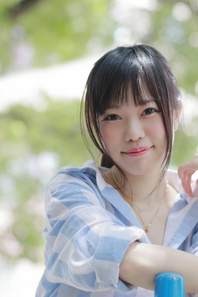 【黒崎れおんアイドル画像】ツインテールが良く似合う童顔萌え娘のコスプレ&水着姿 31