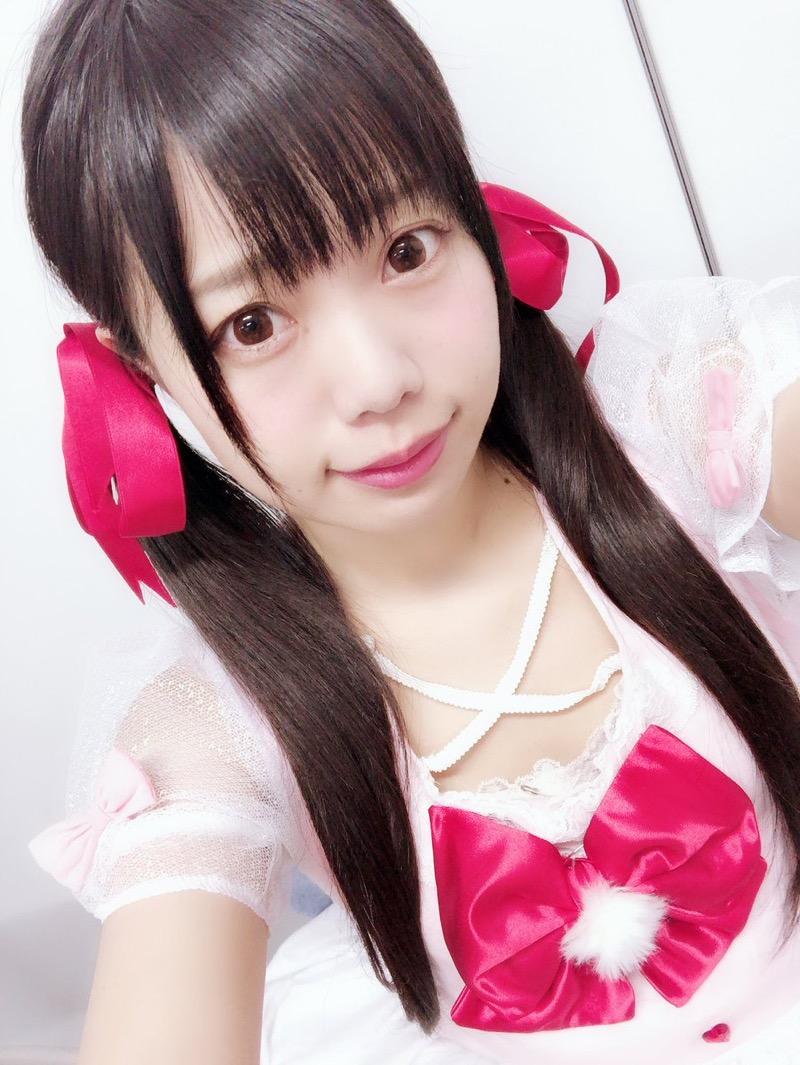 【黒崎れおんアイドル画像】ツインテールが良く似合う童顔萌え娘のコスプレ&水着姿 36