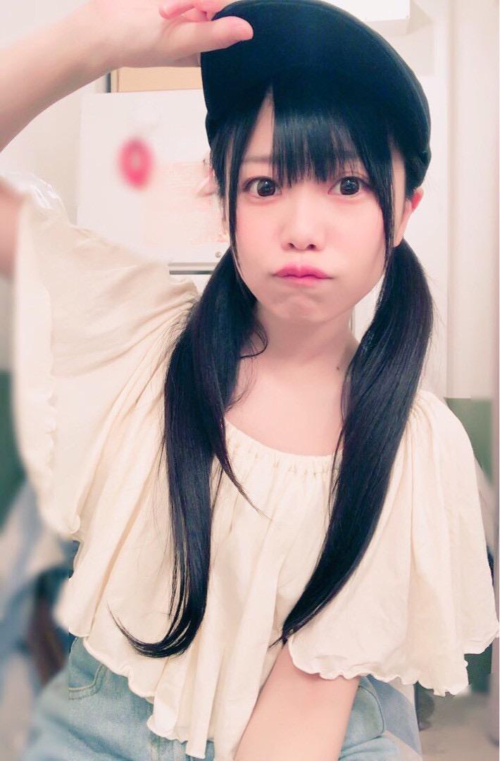 【黒崎れおんアイドル画像】ツインテールが良く似合う童顔萌え娘のコスプレ&水着姿 67