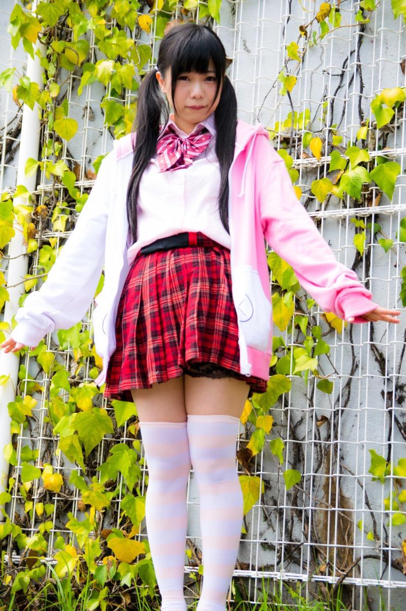 【黒崎れおんアイドル画像】ツインテールが良く似合う童顔萌え娘のコスプレ&水着姿 75