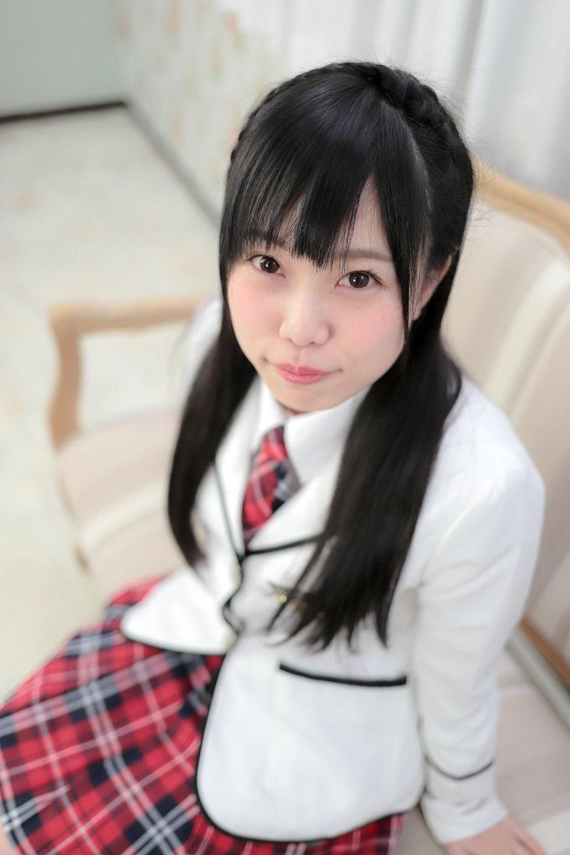 【黒崎れおんアイドル画像】ツインテールが良く似合う童顔萌え娘のコスプレ&水着姿 79