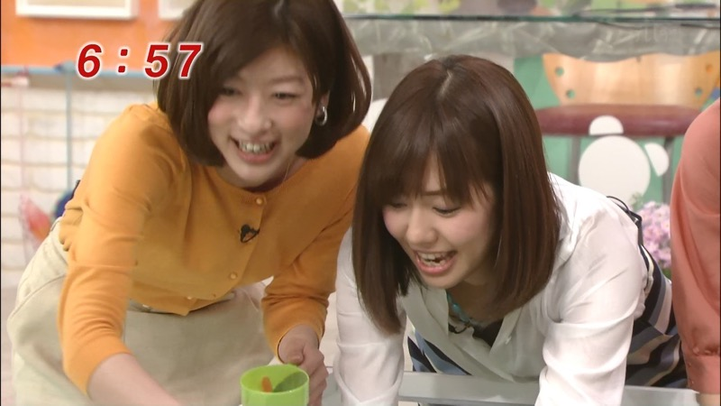 【女子アナハプニング画像】番組中を襲った女子アナたちのエッチなハプニングの瞬間 45