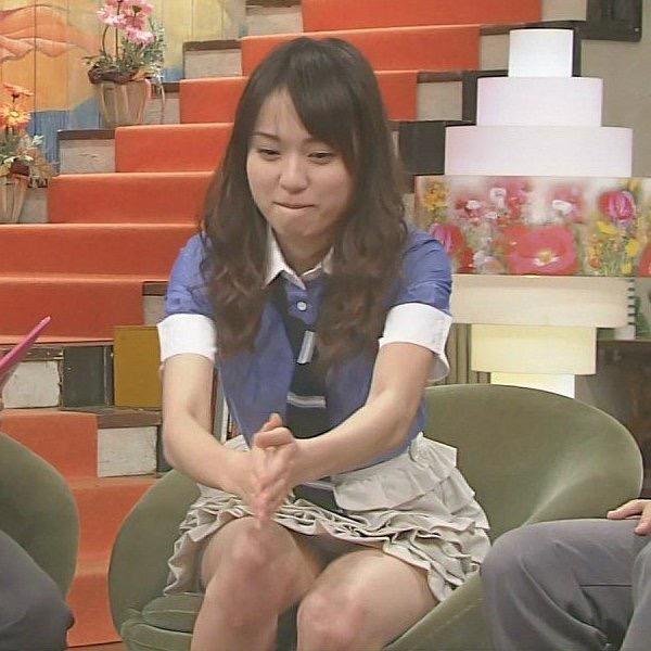【女子アナハプニング画像】番組中を襲った女子アナたちのエッチなハプニングの瞬間 79