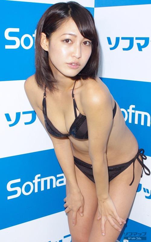 【小柳歩グラビア画像】ミスマリンちゃんの経験もあるセクシーグラドル美女 10