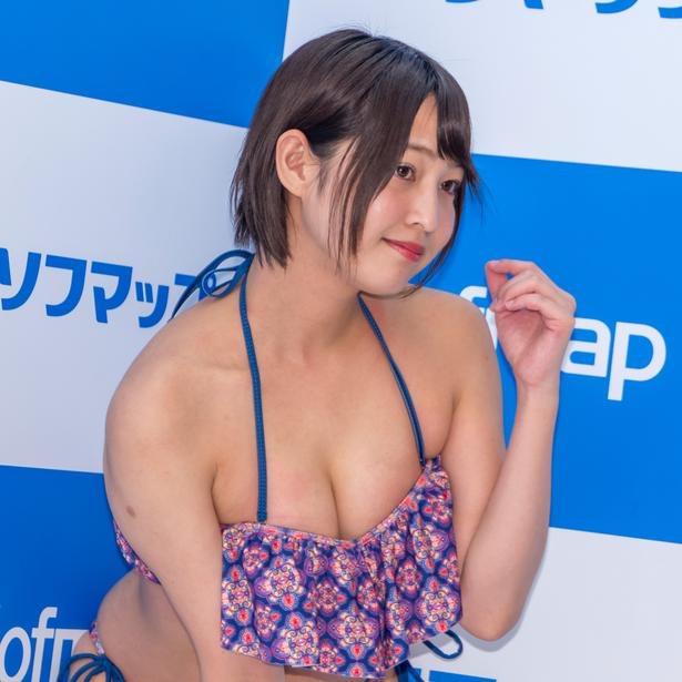 【小柳歩グラビア画像】ミスマリンちゃんの経験もあるセクシーグラドル美女 32