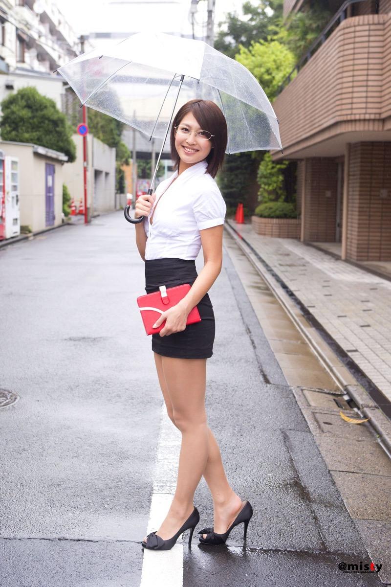 【小柳歩グラビア画像】ミスマリンちゃんの経験もあるセクシーグラドル美女 54