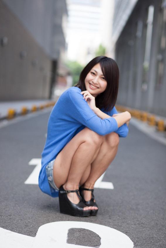 【小柳歩グラビア画像】ミスマリンちゃんの経験もあるセクシーグラドル美女 73