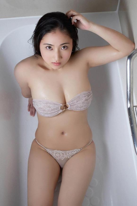 【紗綾グラビア画像】ジュニア時代から活躍した巨乳ボディがエロい水着美女 06