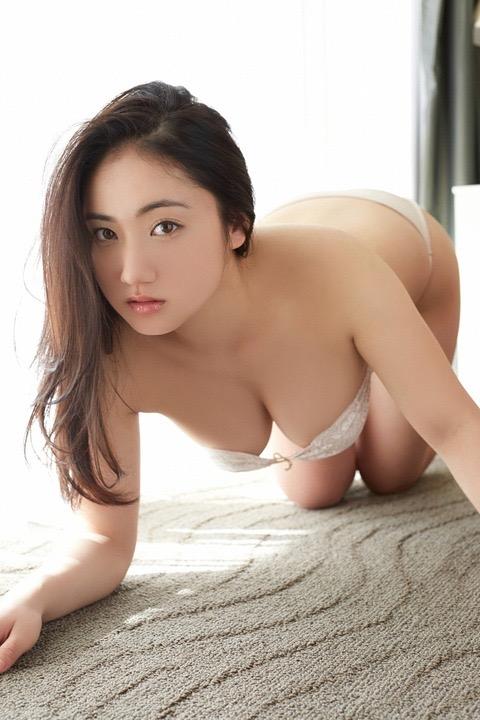 【紗綾グラビア画像】ジュニア時代から活躍した巨乳ボディがエロい水着美女 12