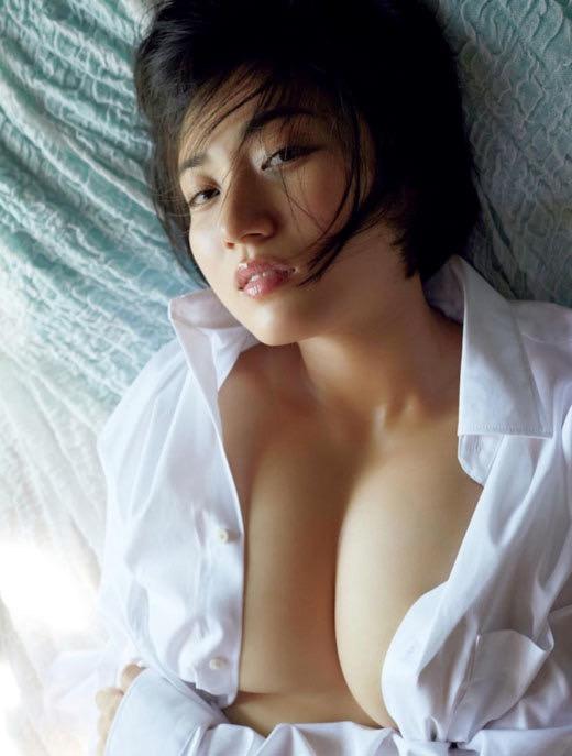 【紗綾グラビア画像】ジュニア時代から活躍した巨乳ボディがエロい水着美女 25