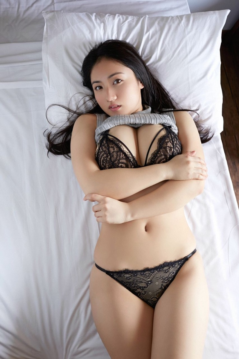 【紗綾グラビア画像】ジュニア時代から活躍した巨乳ボディがエロい水着美女 39