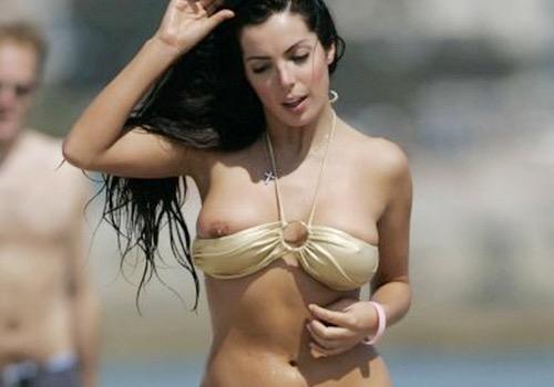 【海外ハプニング画像】外国人美女のチラリ&ポロリで見えちゃったエロ画像